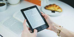 Amazon Kindle Finally Lets You Set Book Covers as Lockscreens
