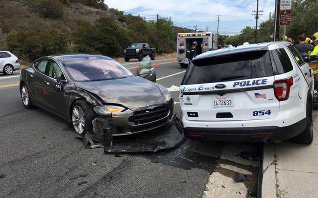 A Tesla Model 3 With Autopilot Activated Crashes Into Two Parked Cars in Florida